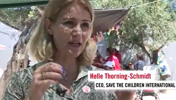 Det internationale Red Barnets chef appellerer om mere støtte, der kan mildne flygtninges skrækkelige vilkår i græske lejre. (Skærmdump fra sponsorvideo)